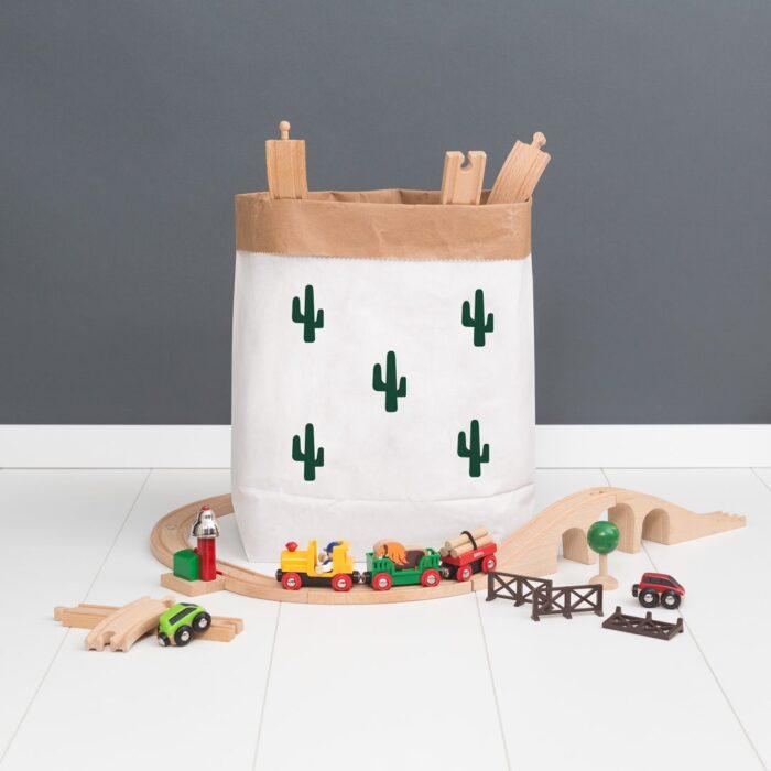 puderwolke_papiersack_m_klein_kaktus_dgruen